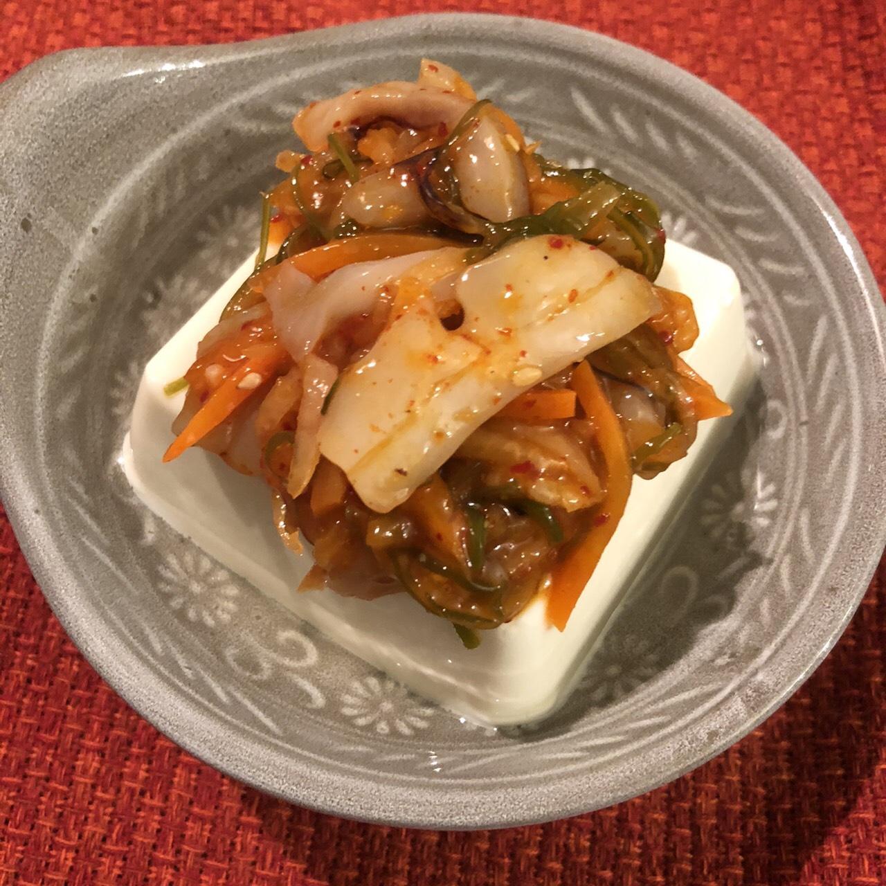 ピリ辛いかキムチ ハチヨウ 豆腐